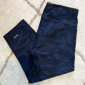 DKNY Blue and Black Camo Cropped Leggings